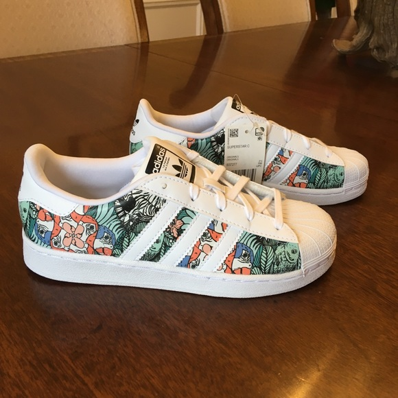 buy popular 9f937 436d9 ADIDAS Kids Tropical Print Superstars NWT Sz.3 NWT
